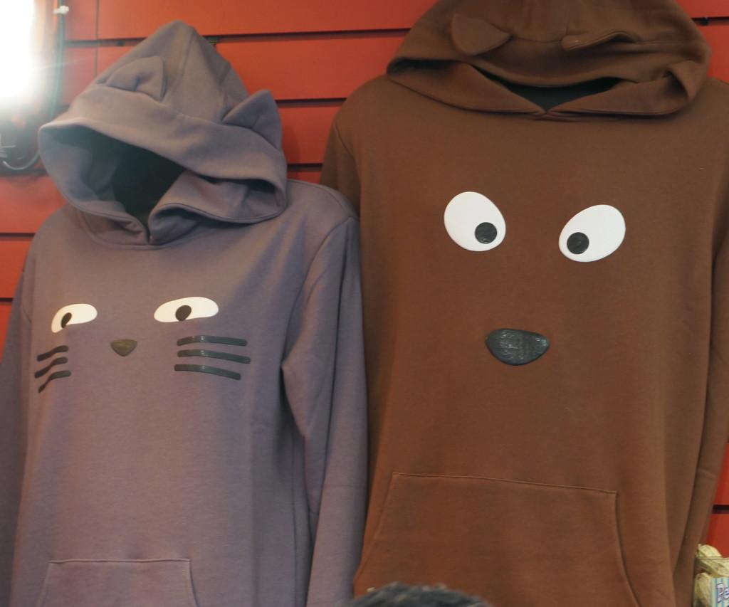 union square holiday market nyc christmas shopping gift sweatshirt