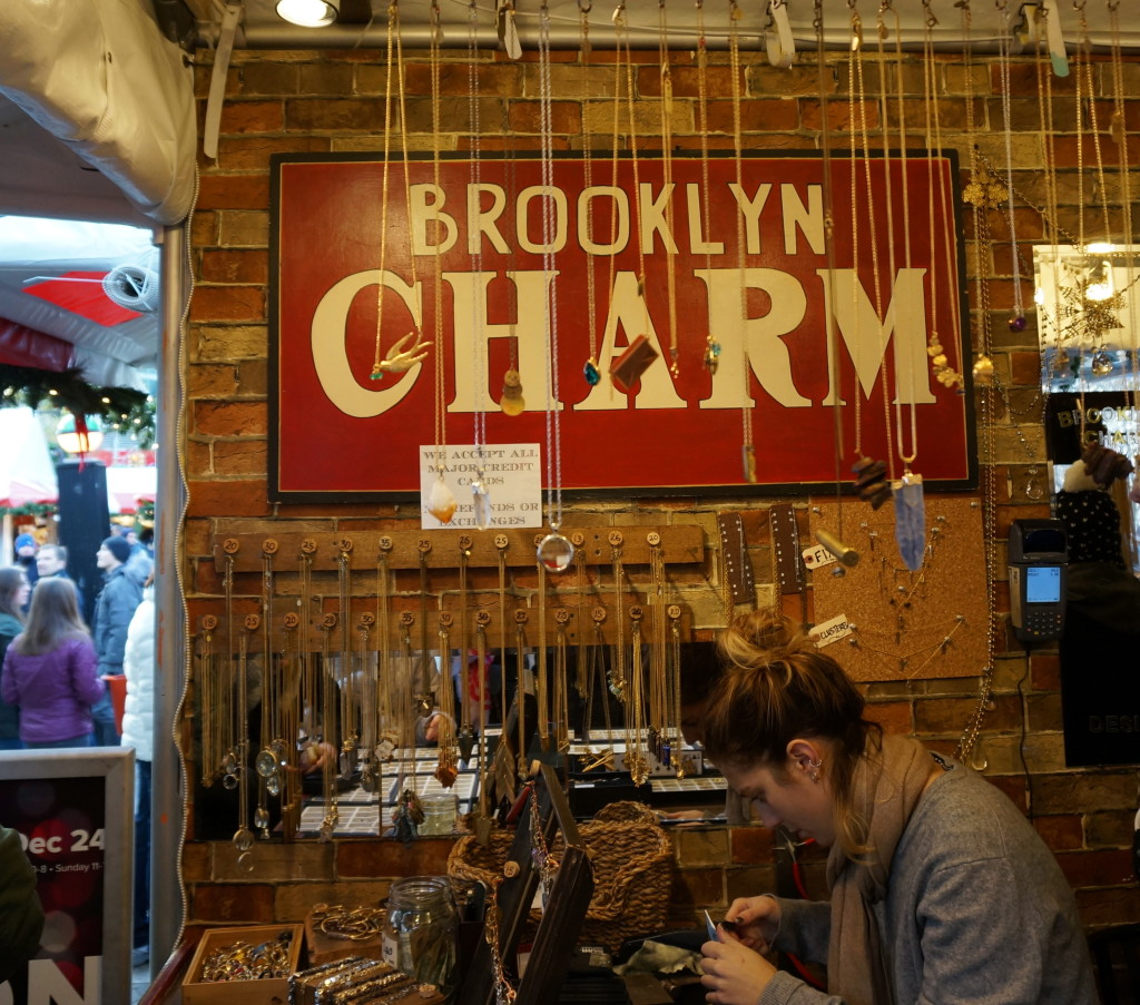 Is the NYC Union Square Holiday Market worth checking out? My shopping guide in photos. by Souvenir Finder