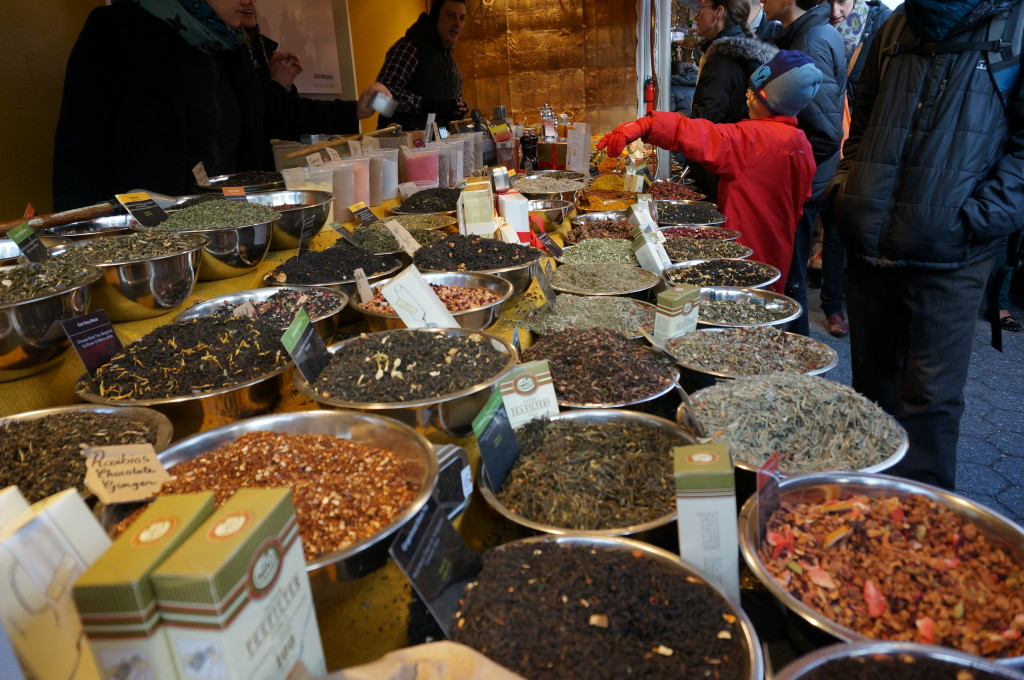 union square holiday market nyc christmas food gifts shopping spices