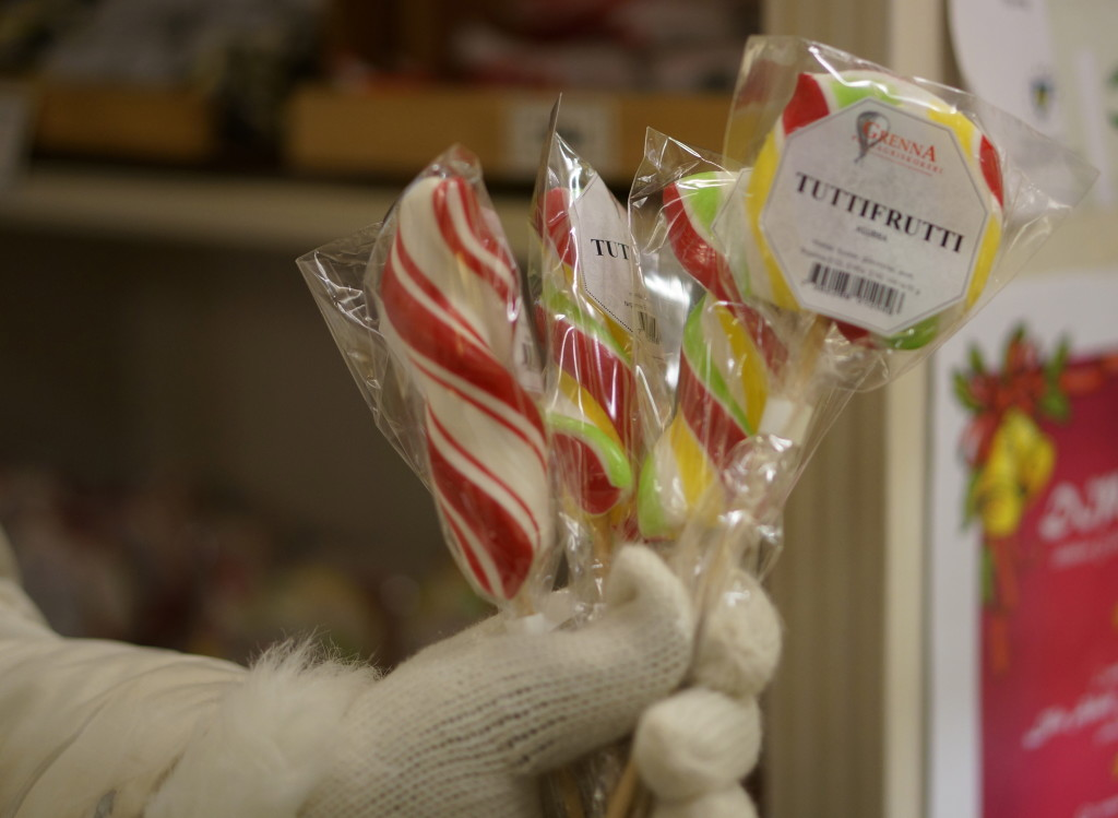 swedish lollipop tutti fruitti