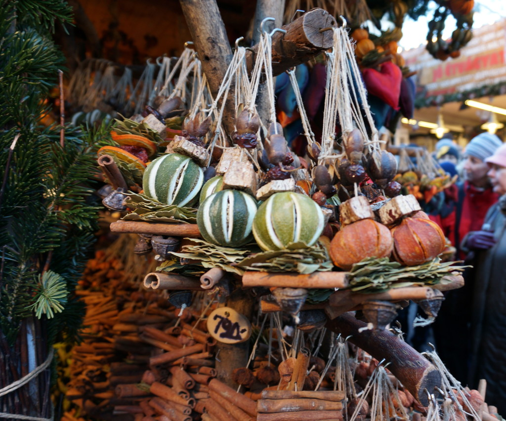 Budapest christmas market crafts gifts souvenirs Fragrant dried spices mixed with pomegrantes, limes and cinamon sticks