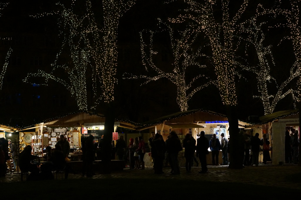 hungarian food budapest christmas market fair
