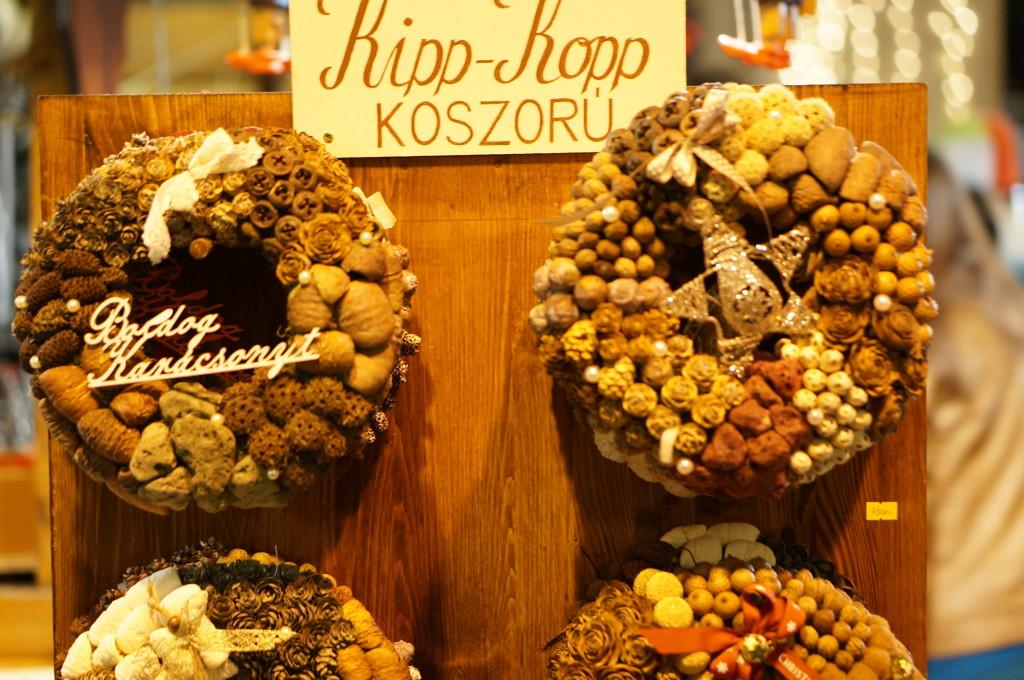 budapest souvenir wreath hungarian  handmade craft christmas market fair