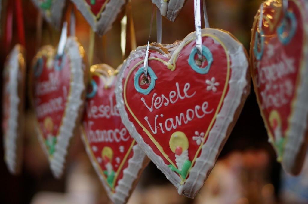 gingerbread hearts vienna christmas market