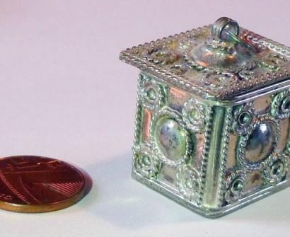 Tiny Filligree Silver Box - Imgur