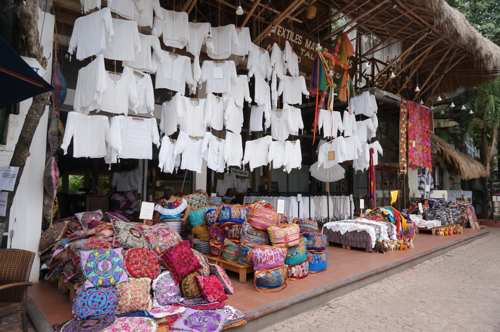 best playa del carmen shopping souvenirs Mexican folk art