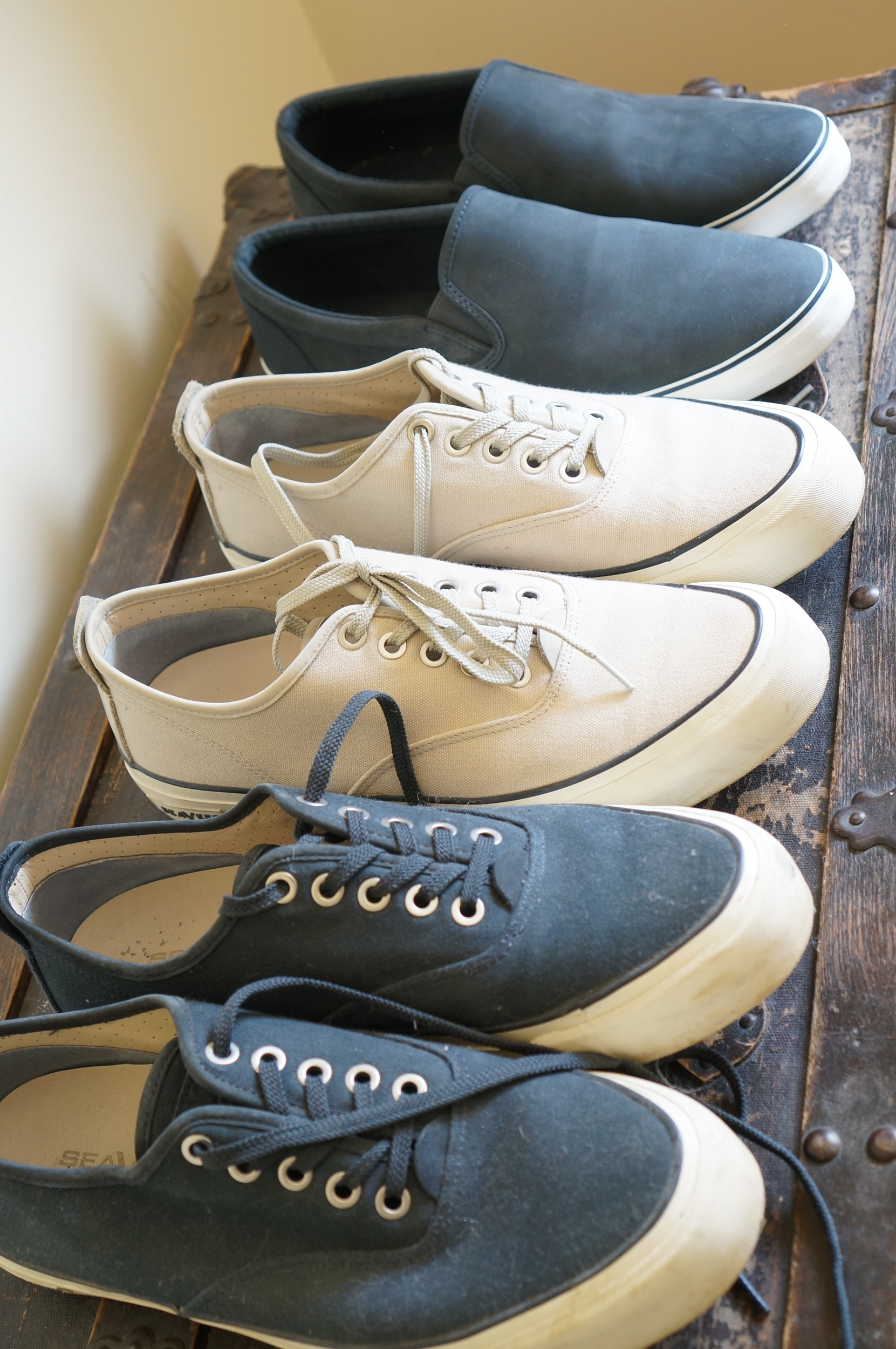 J Reviews The Best Men S Sneakers For Travel In Europe