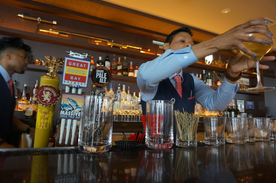 drinks at bar at one world trade center observatory one mix nyc new york manhatan