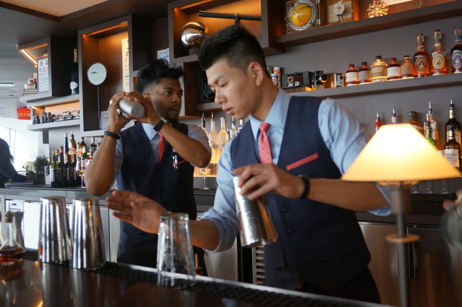 bar at one world trade center observatory cocktaiis one mix nyc new york manhatan