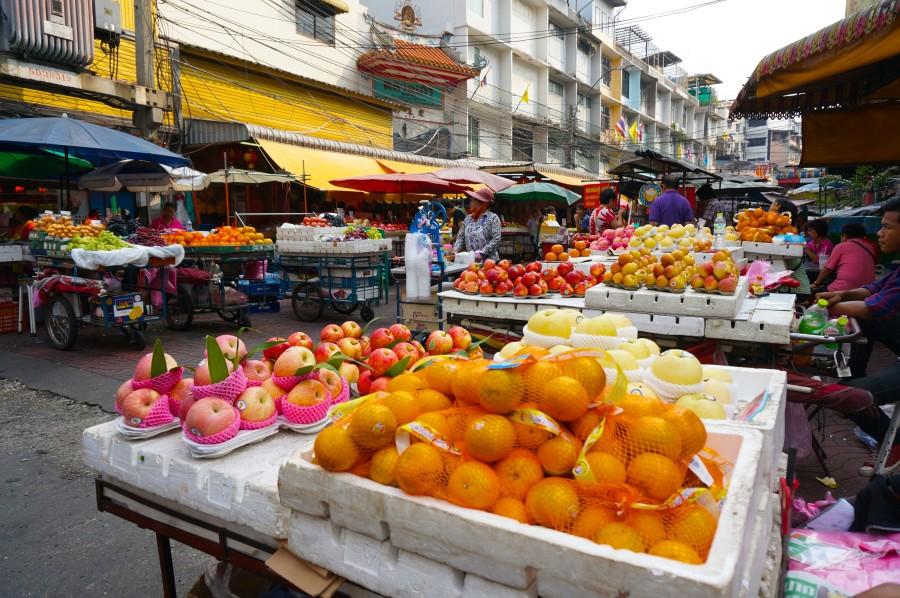 Bangkok Chinatown fruit vendor