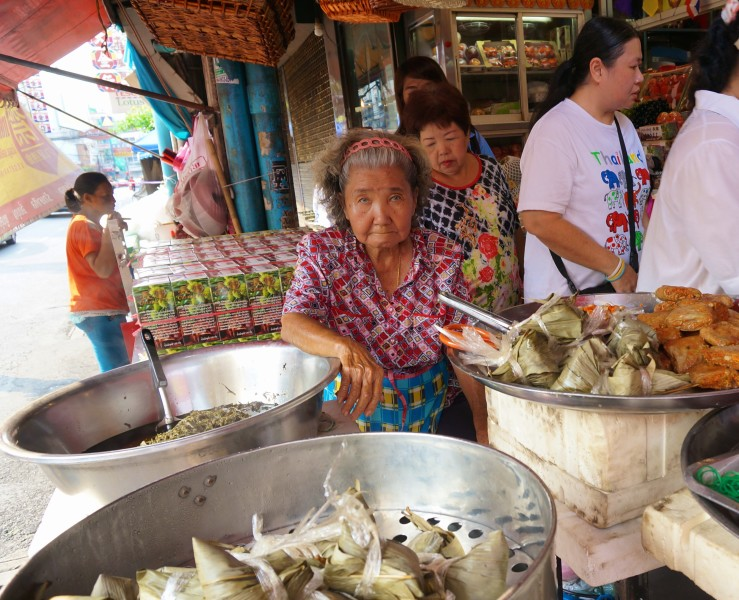 Bangkok Chinatown cooking food snacks chinese