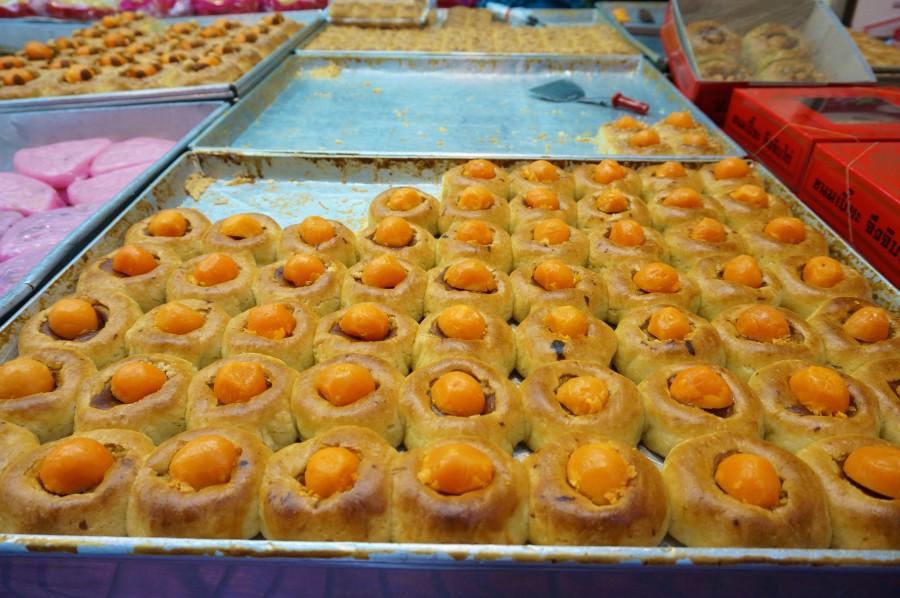 Tasty sweets on Trok Issaranuphap lane in Bangkok's Chinatown.