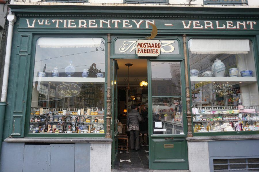 shopfront of Tierenteyn-Verlent.