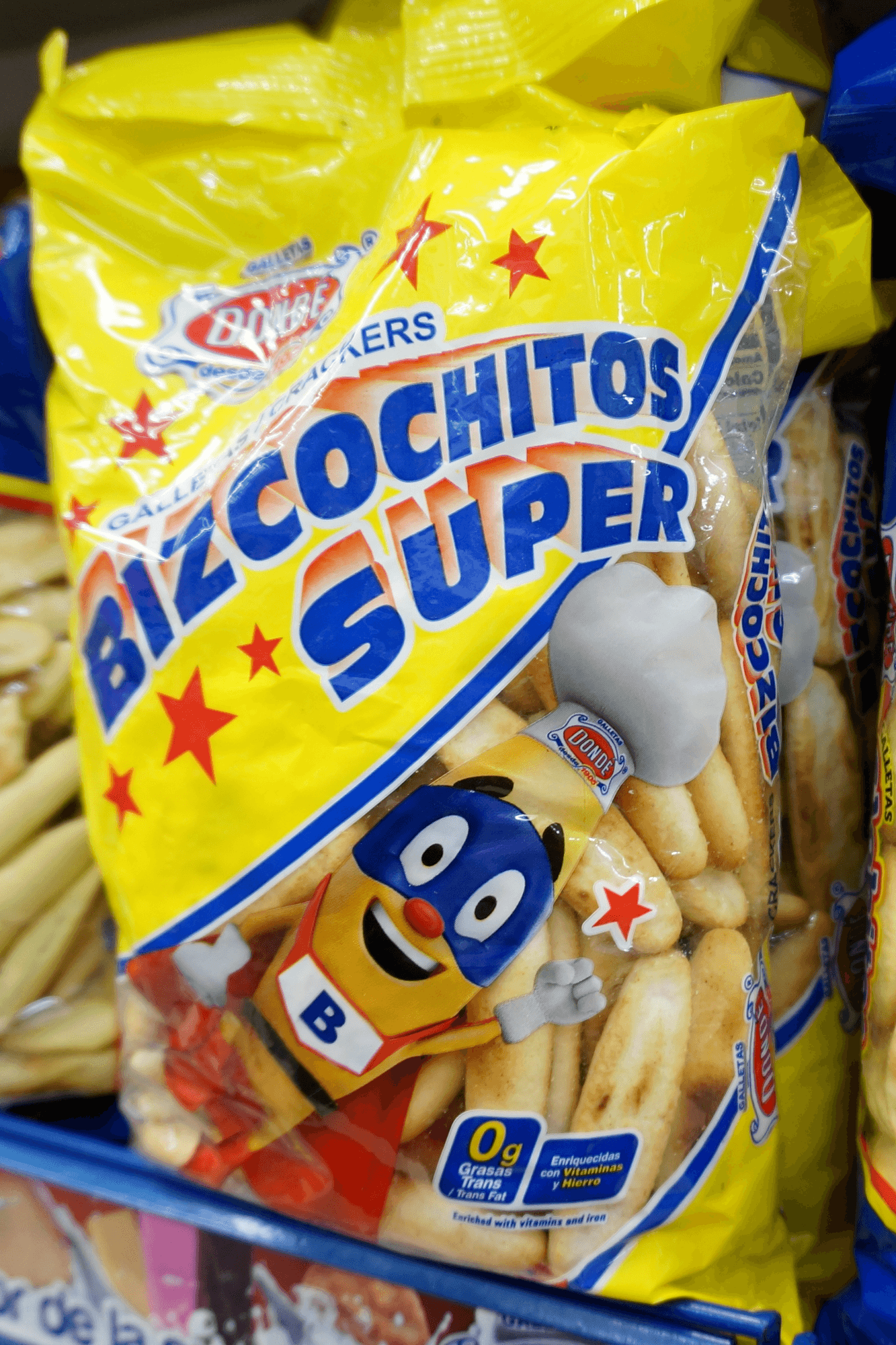 What souvenirs to buy at a grocery store in Mexico snacks bizcochitos super photos
