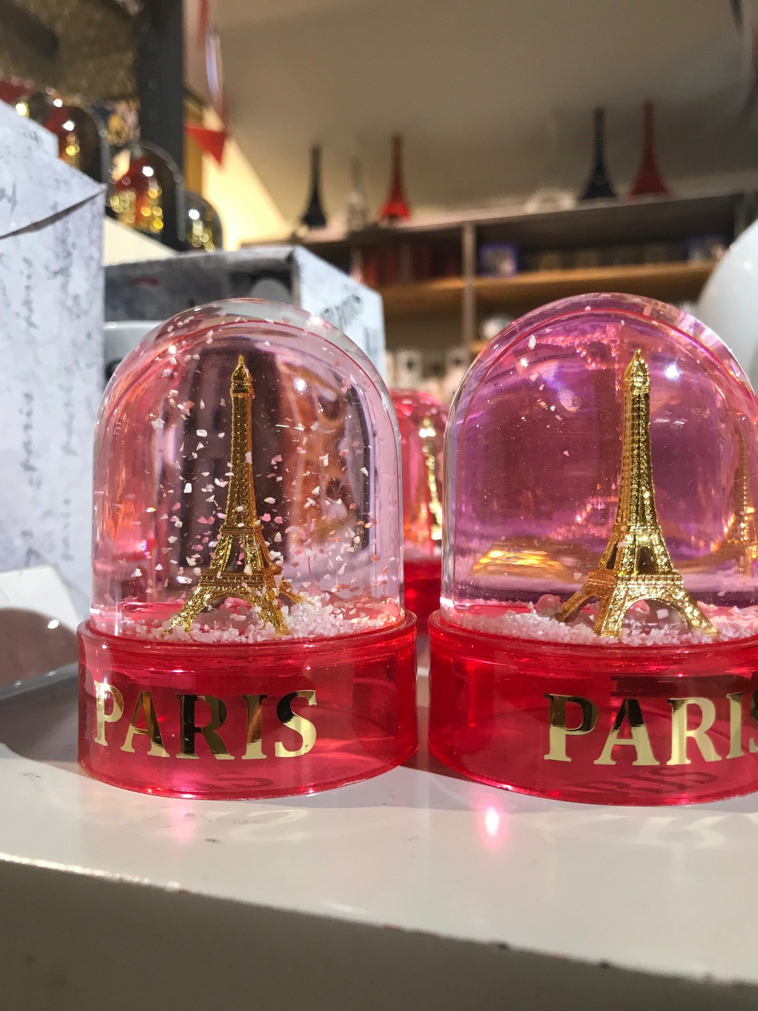 Souvenir Of Last Beautiful Day For >> Ultimate Guide To The Top 40 Paris Souvenirs And Gifts Souvenir Finder