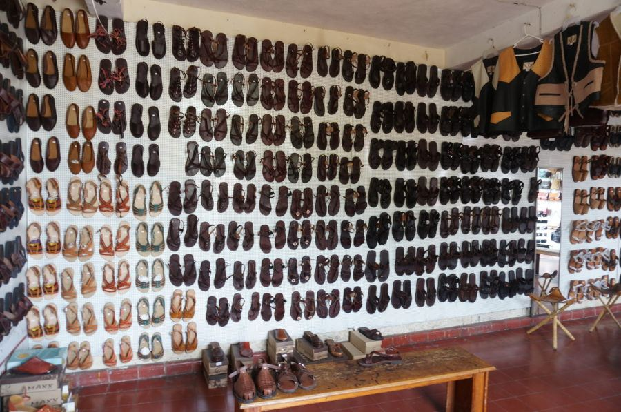 leather sandal shop mexico yucatan