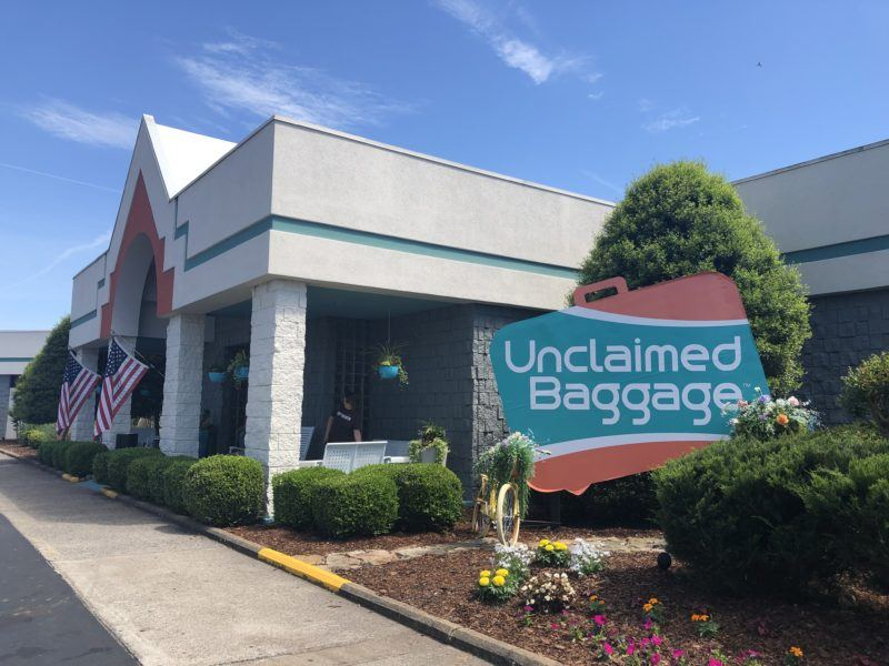 Visiting unclaimed baggage store photo tour