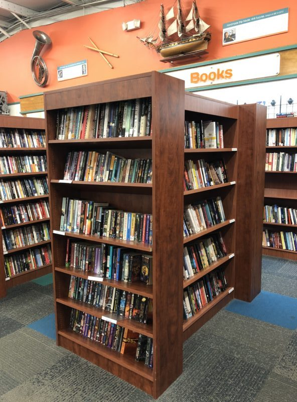 unclaimed baggage store Alabama books