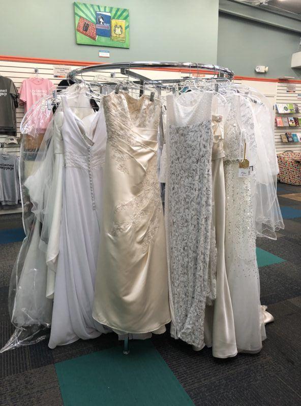 unclaimed baggage store Alabama wedding dresses