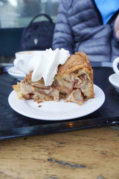 Best dutch apple pie in Amsterdam winkel cafe
